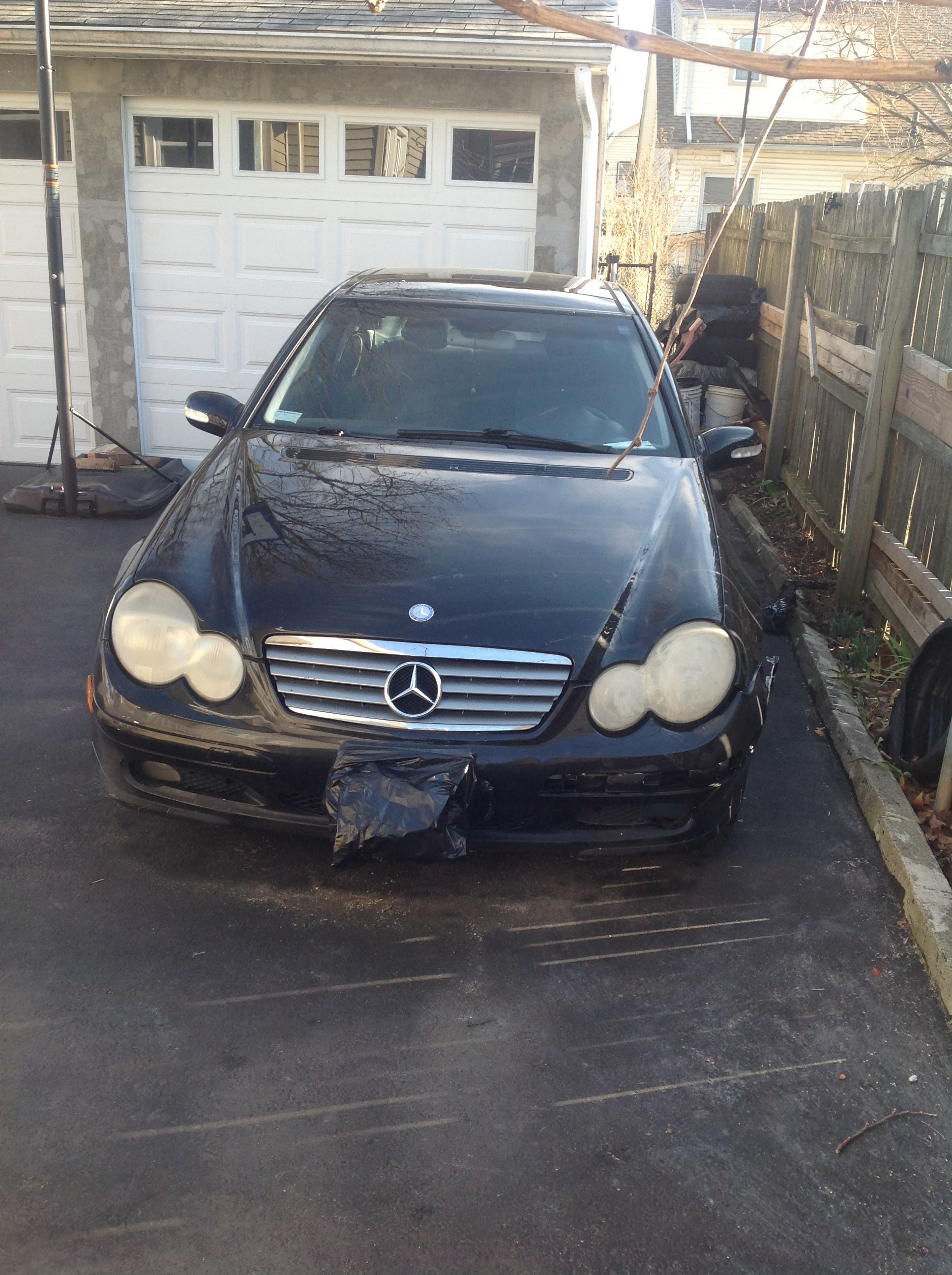 Junk 2002 Mercedes-Benz C in Hillside