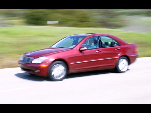 Junk 2002 Mercedes-Benz C in Marshfield