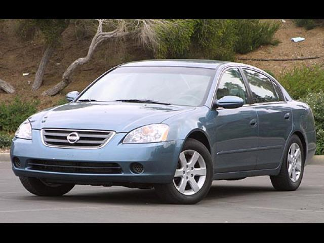 Junk 2002 Nissan Altima in Tomball