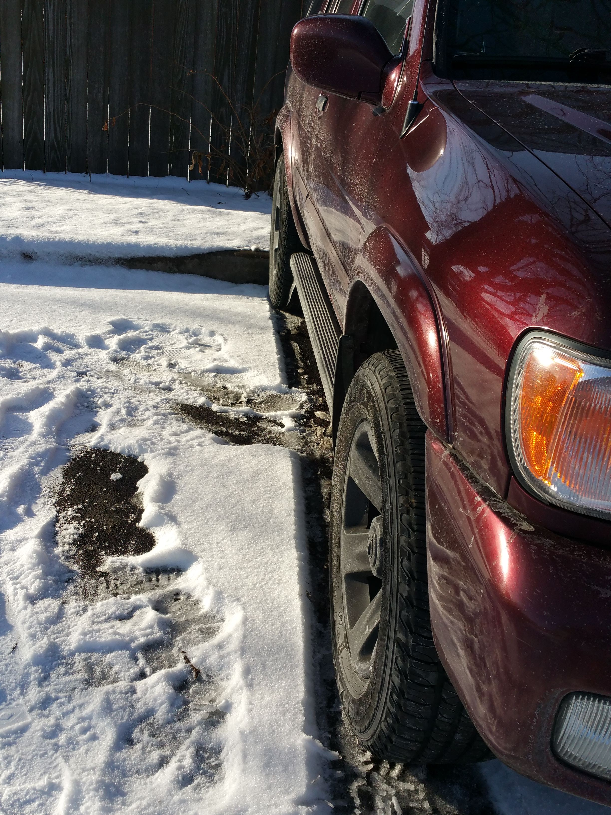 Junk 2002 Nissan Pathfinder in Saint Paul