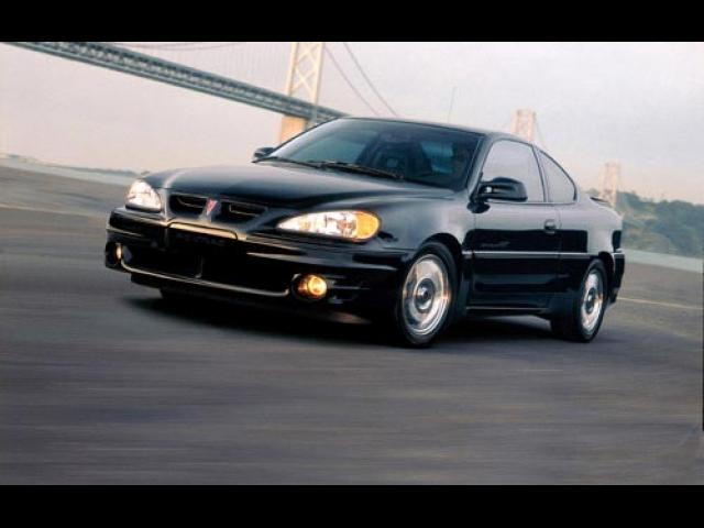 Junk 2002 Pontiac Grand Am in Willington
