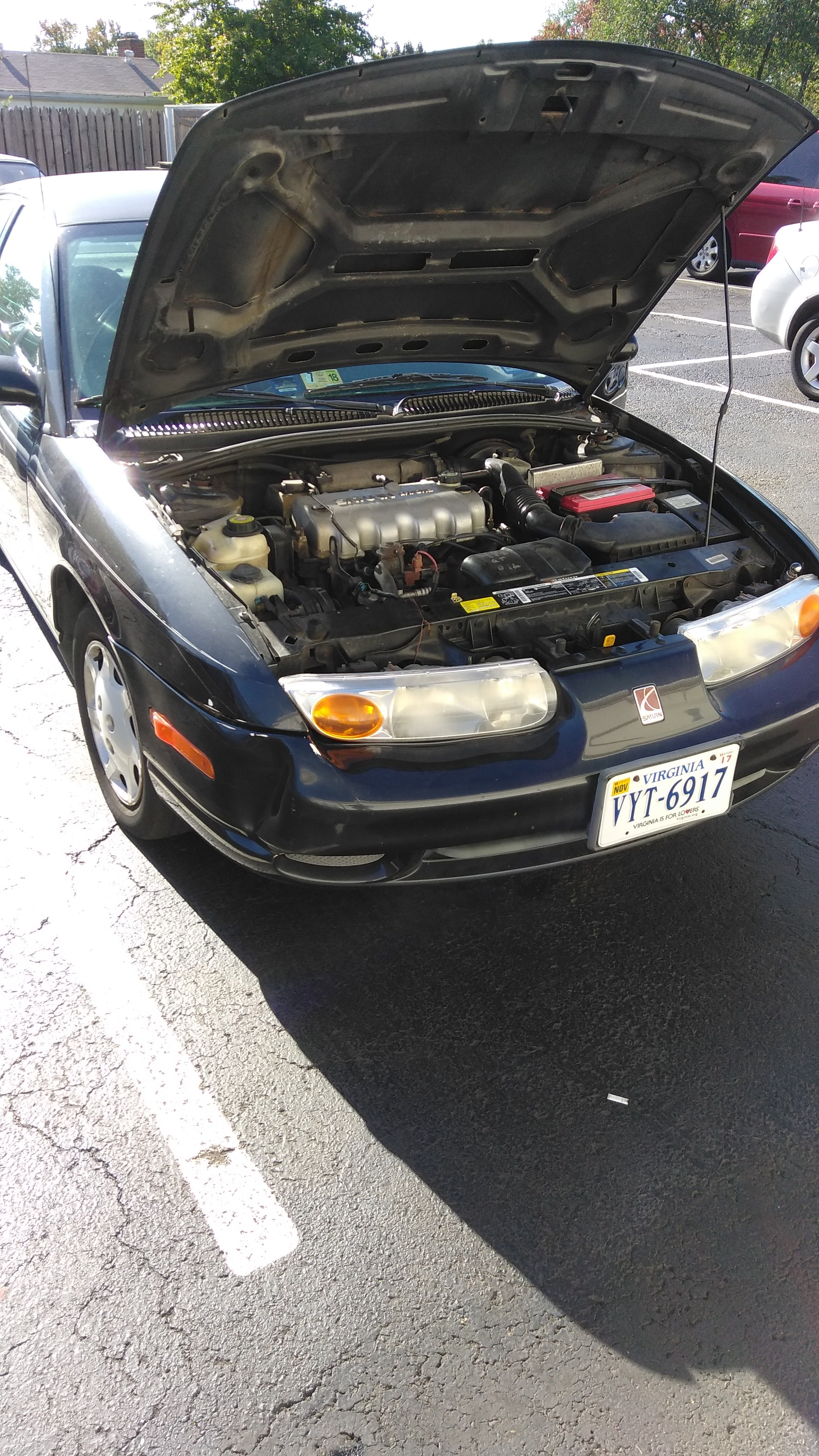 Junk 2002 Saturn SL1 in Arlington