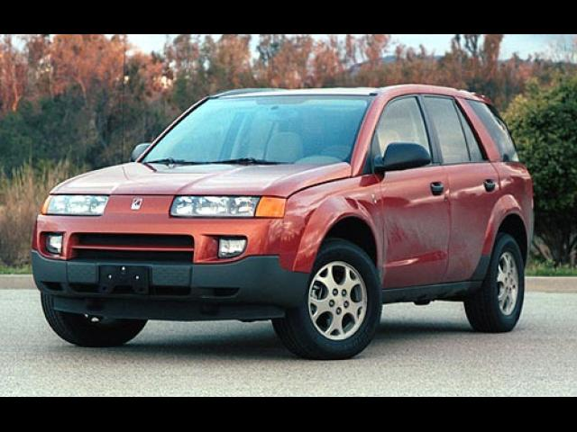 Junk 2002 Saturn Vue in Clinton Township