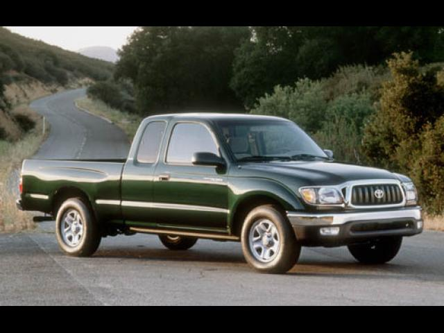 Junk 2002 Toyota Tacoma in Jacksonville