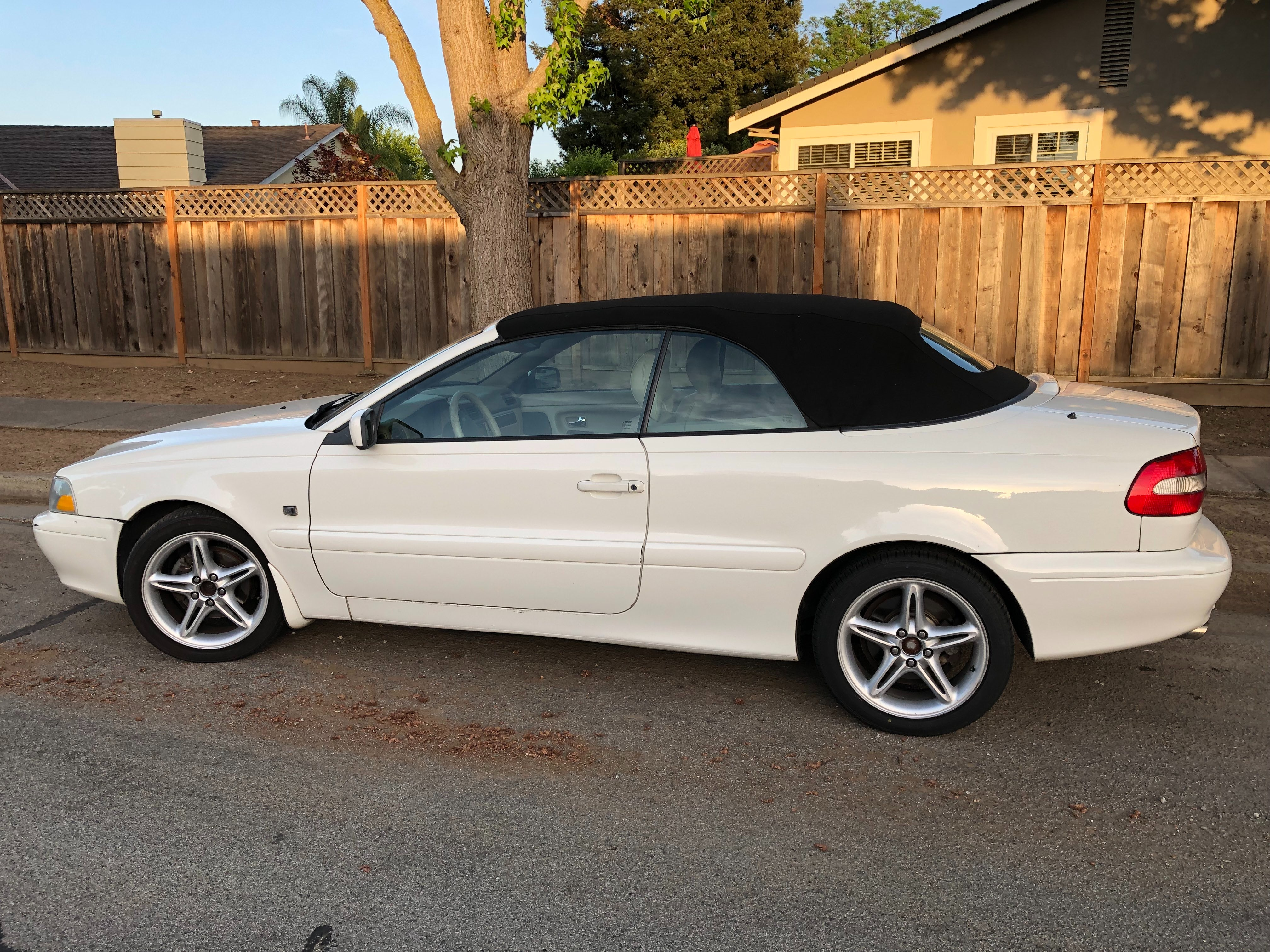 Junk 2002 Volvo C70 in Gilroy