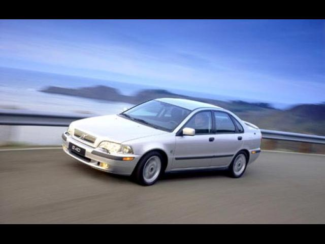 Junk 2002 Volvo S40 in Four Oaks