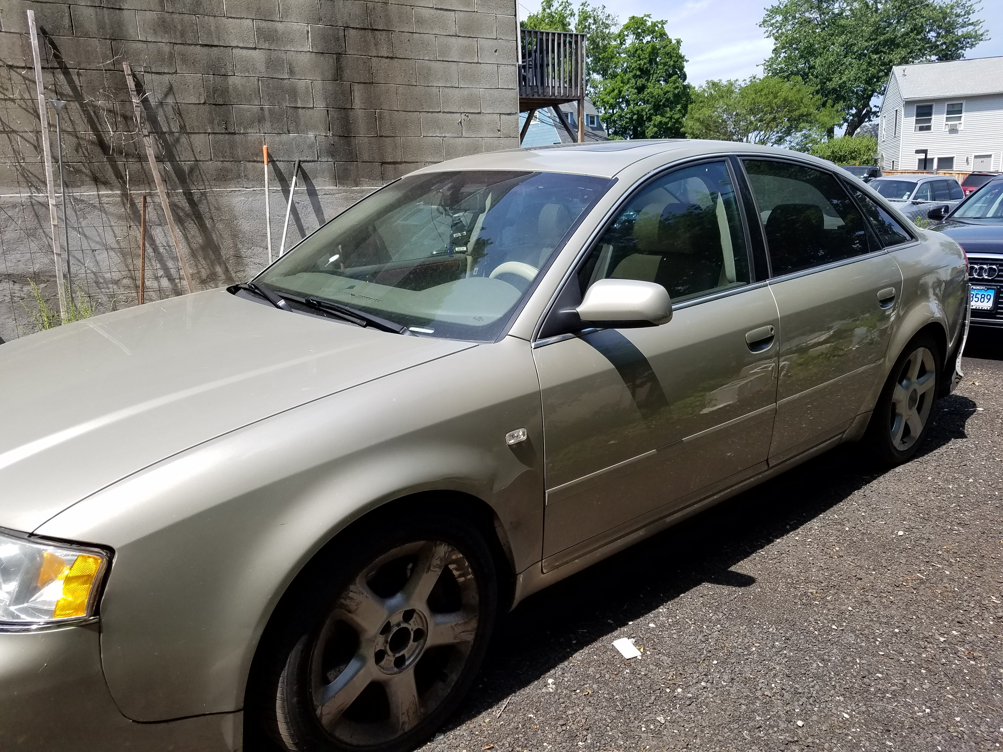 Junk 2003 Audi A6 in Norwalk