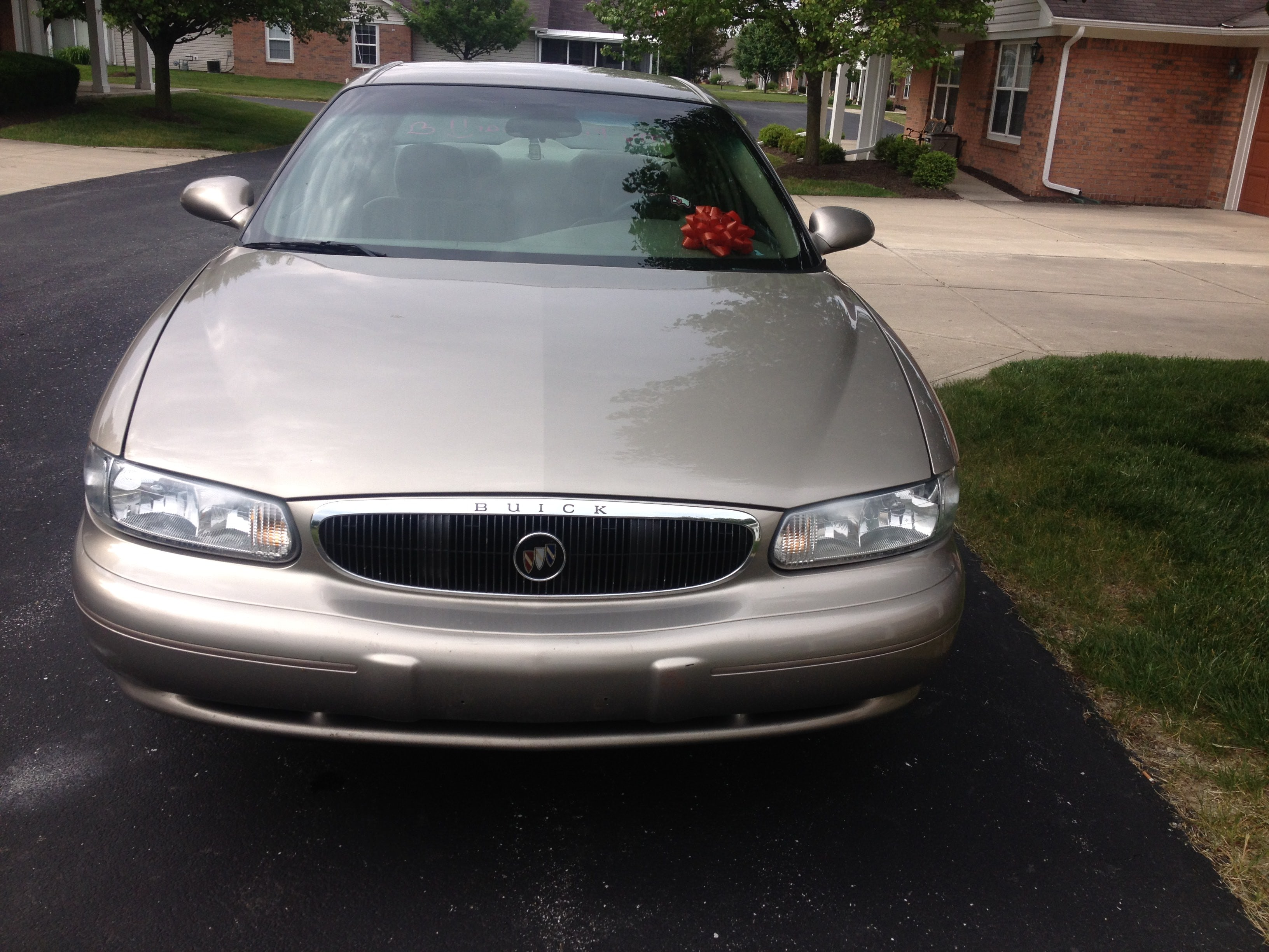 Junk 2003 Buick Century in Indianapolis