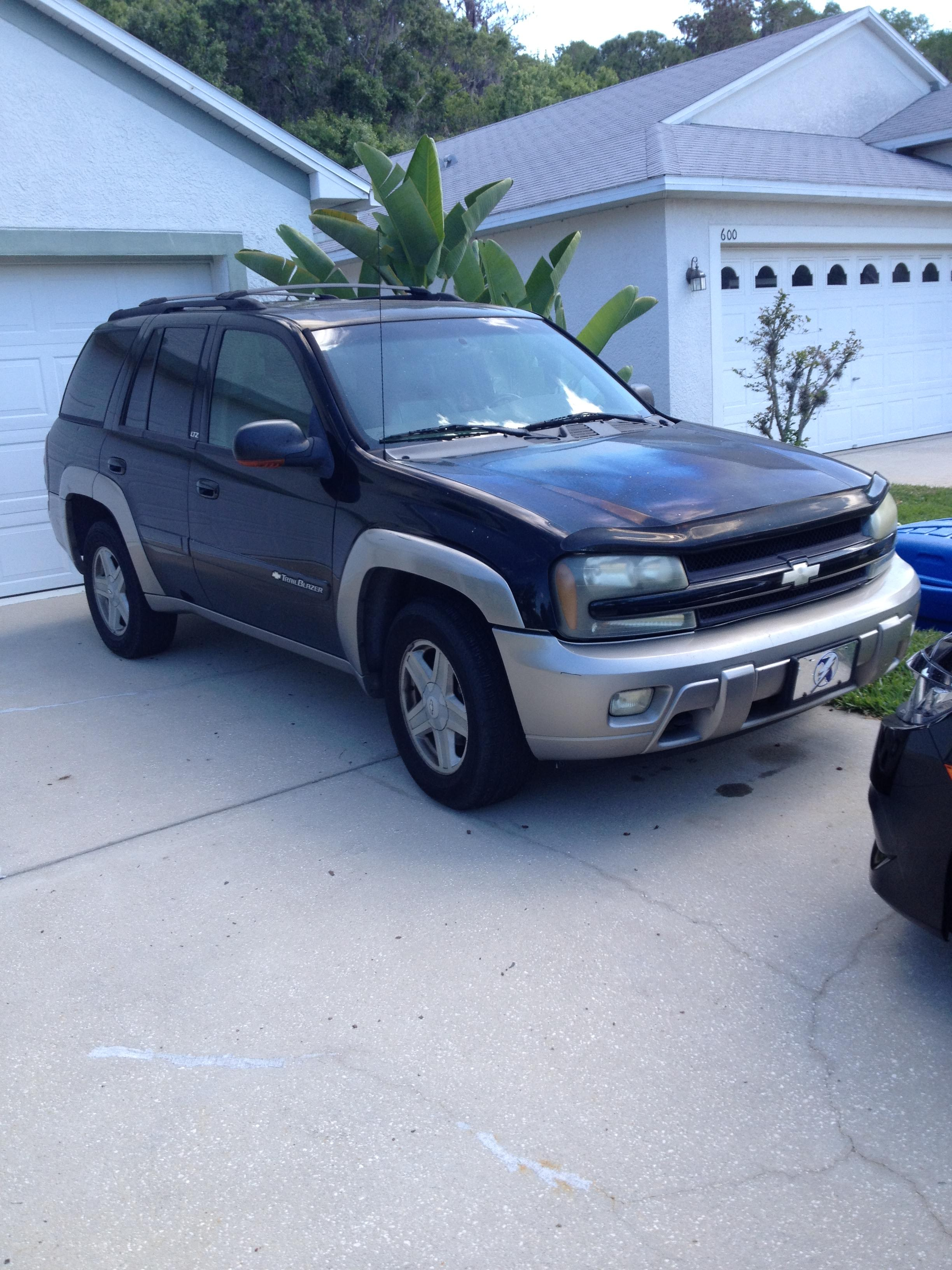 Junk 2003 Chevrolet TrailBlazer in Oldsmar