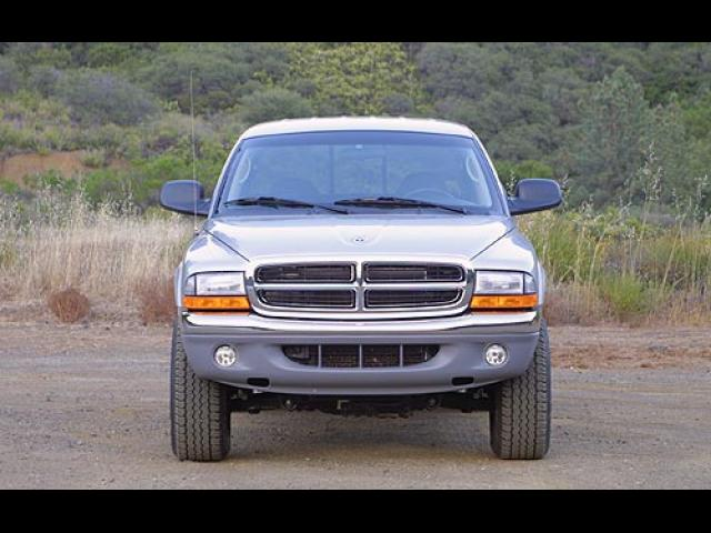 Junk 2003 Dodge Dakota in Surprise