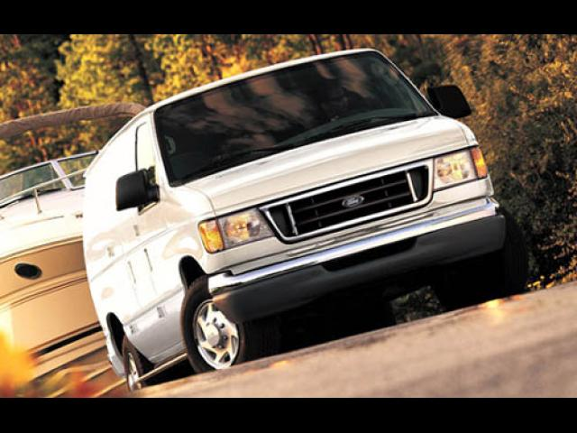 Junk 2003 Ford Econoline in Pompano Beach
