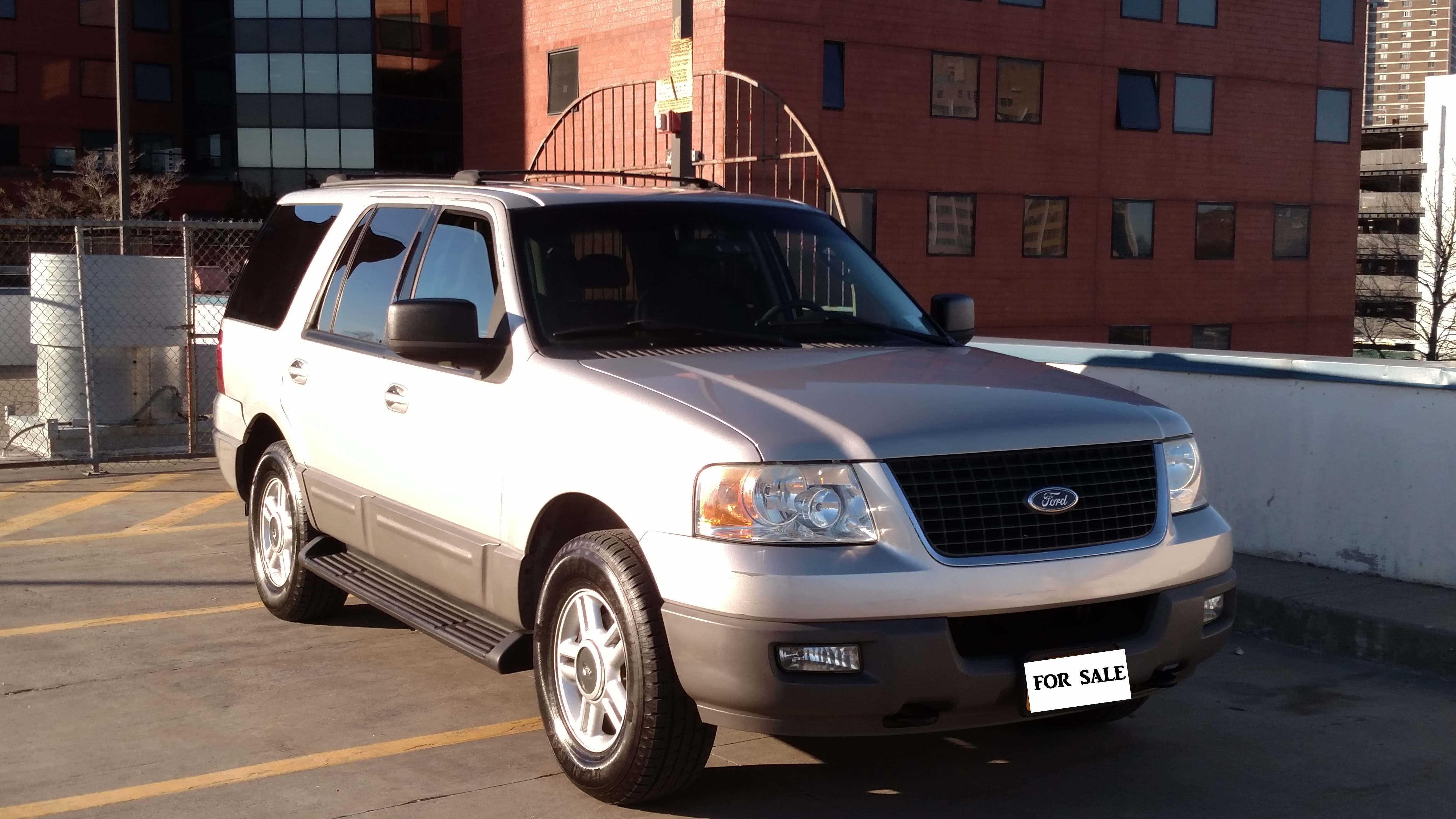 Junk 2003 Ford Expedition in Bronx