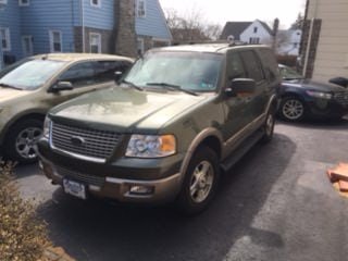 Junk 2003 Ford Expedition in Drexel Hill