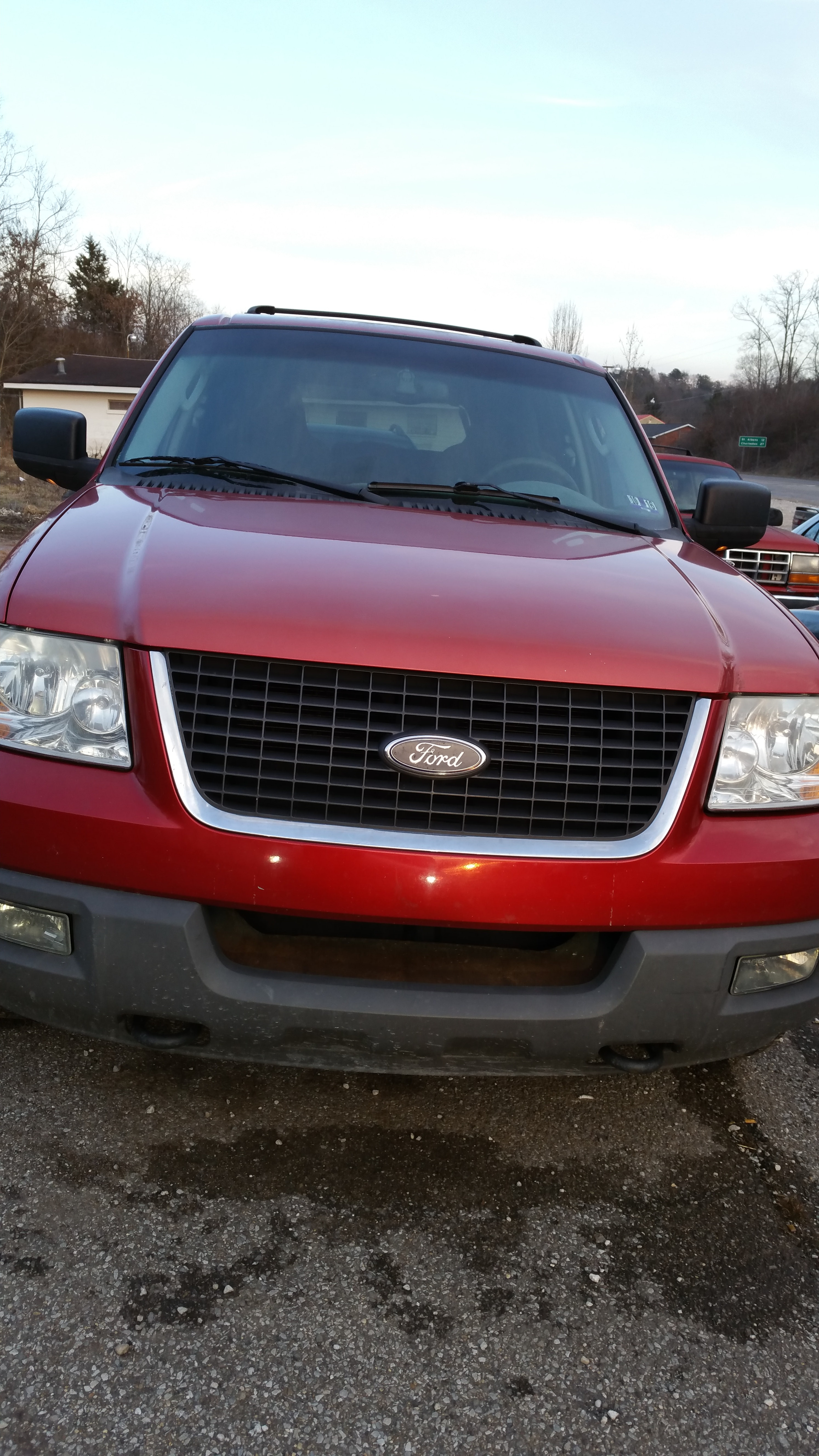 Junk 2003 Ford Expedition in Hurricane