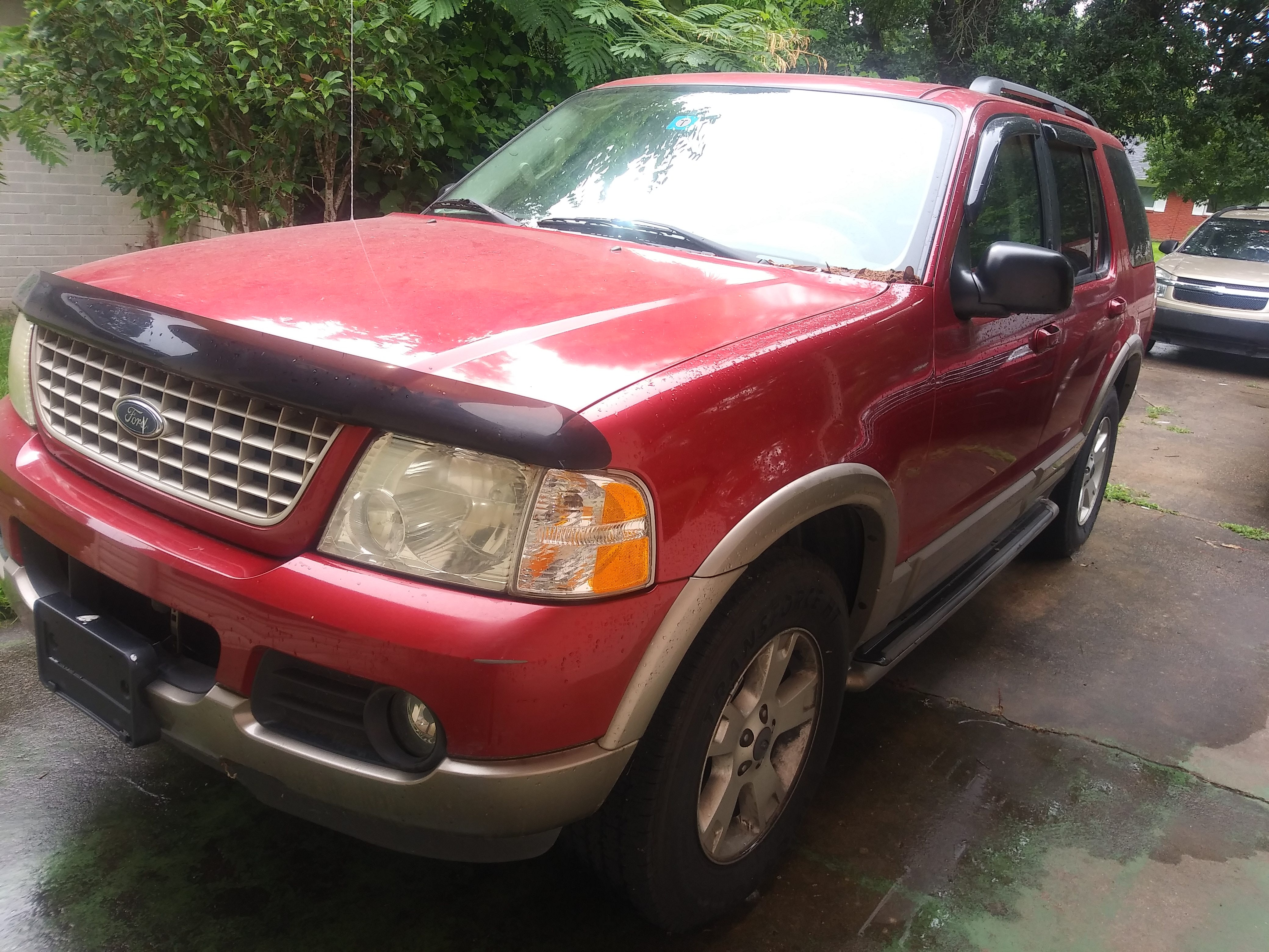 Junk 2003 Ford Explorer in Shreveport