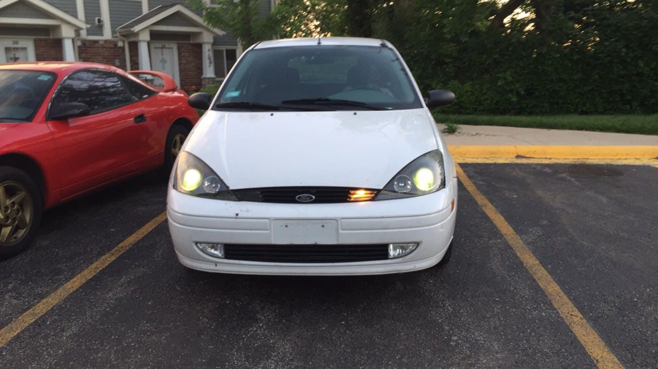 Junk 2003 Ford Focus in Elgin