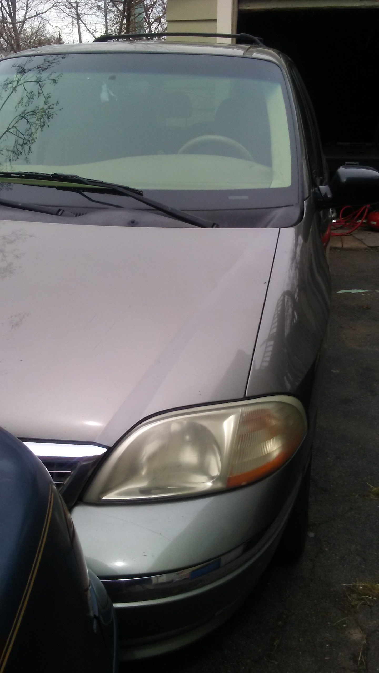 Junk 2003 Ford Windstar in West Haven