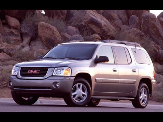 Junk 2003 GMC Envoy in Lithonia
