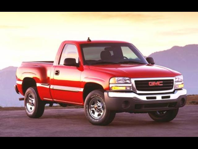 Junk 2003 GMC New Sierra in Camarillo