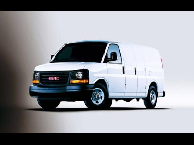 Junk 2003 GMC Savana in Lexington