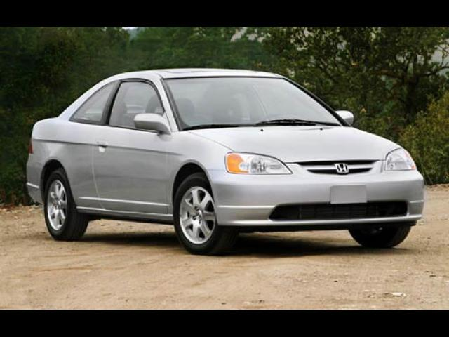 Junk 2003 Honda Civic in Waukegan