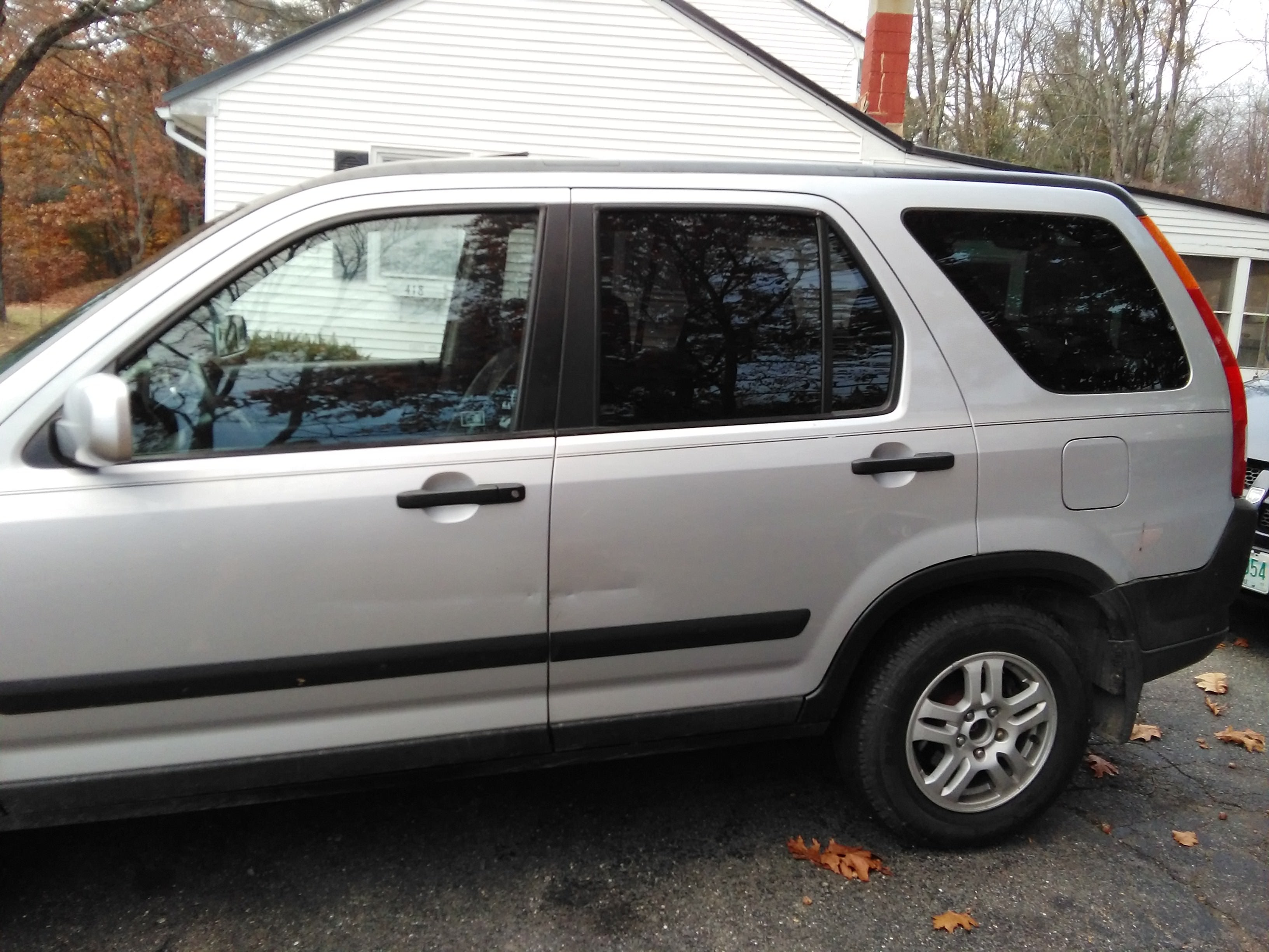 Junk 2003 Honda CR-V in Hinsdale