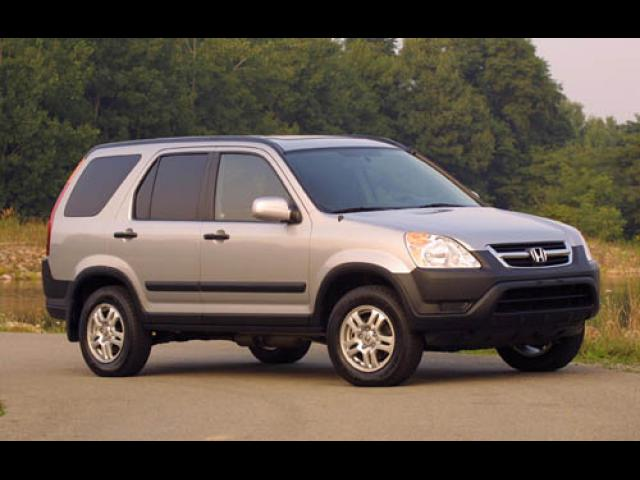 Junk 2003 Honda CR-V in Milwaukee