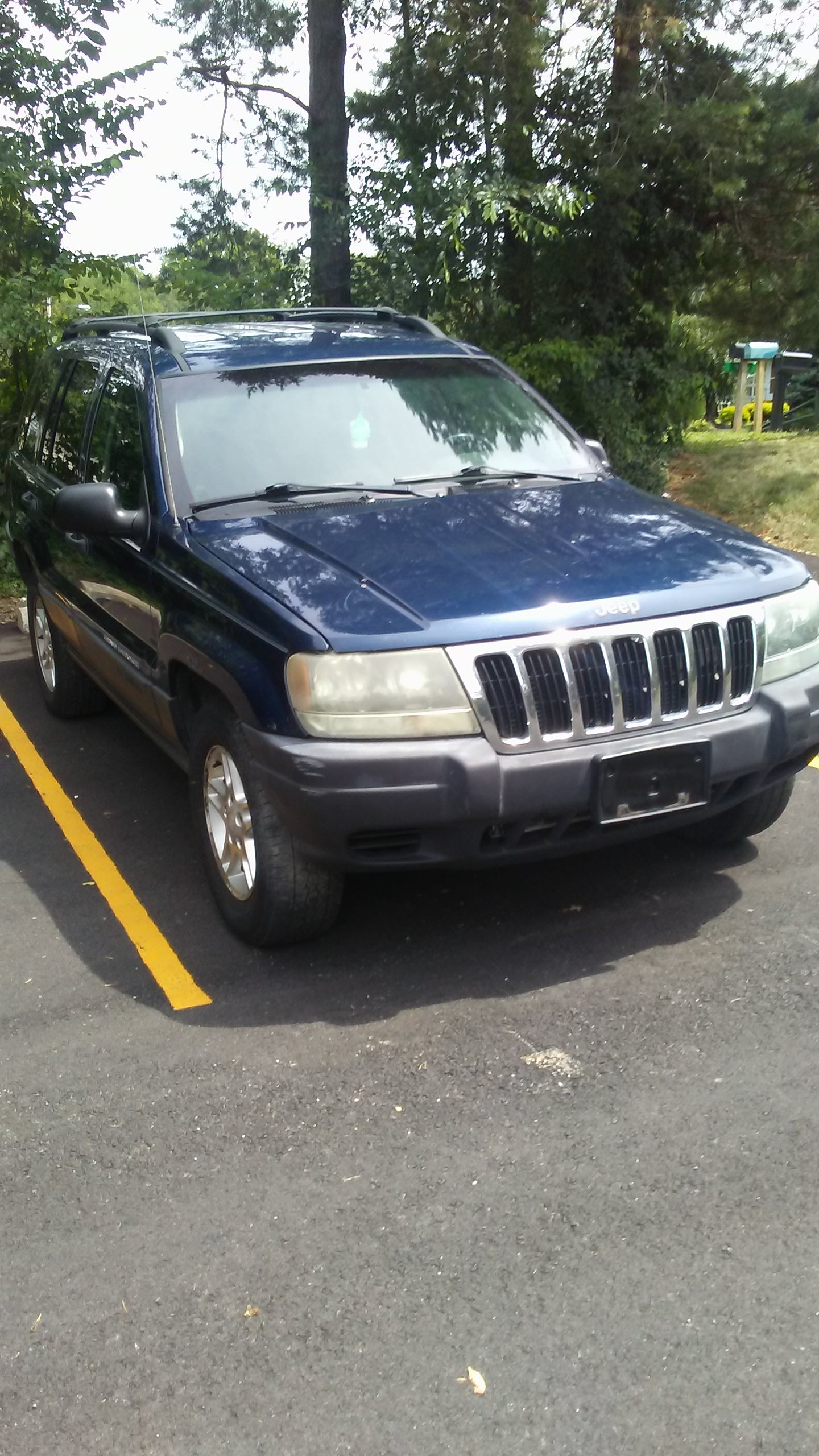 Junk 2003 Jeep Grand Cherokee in Akron