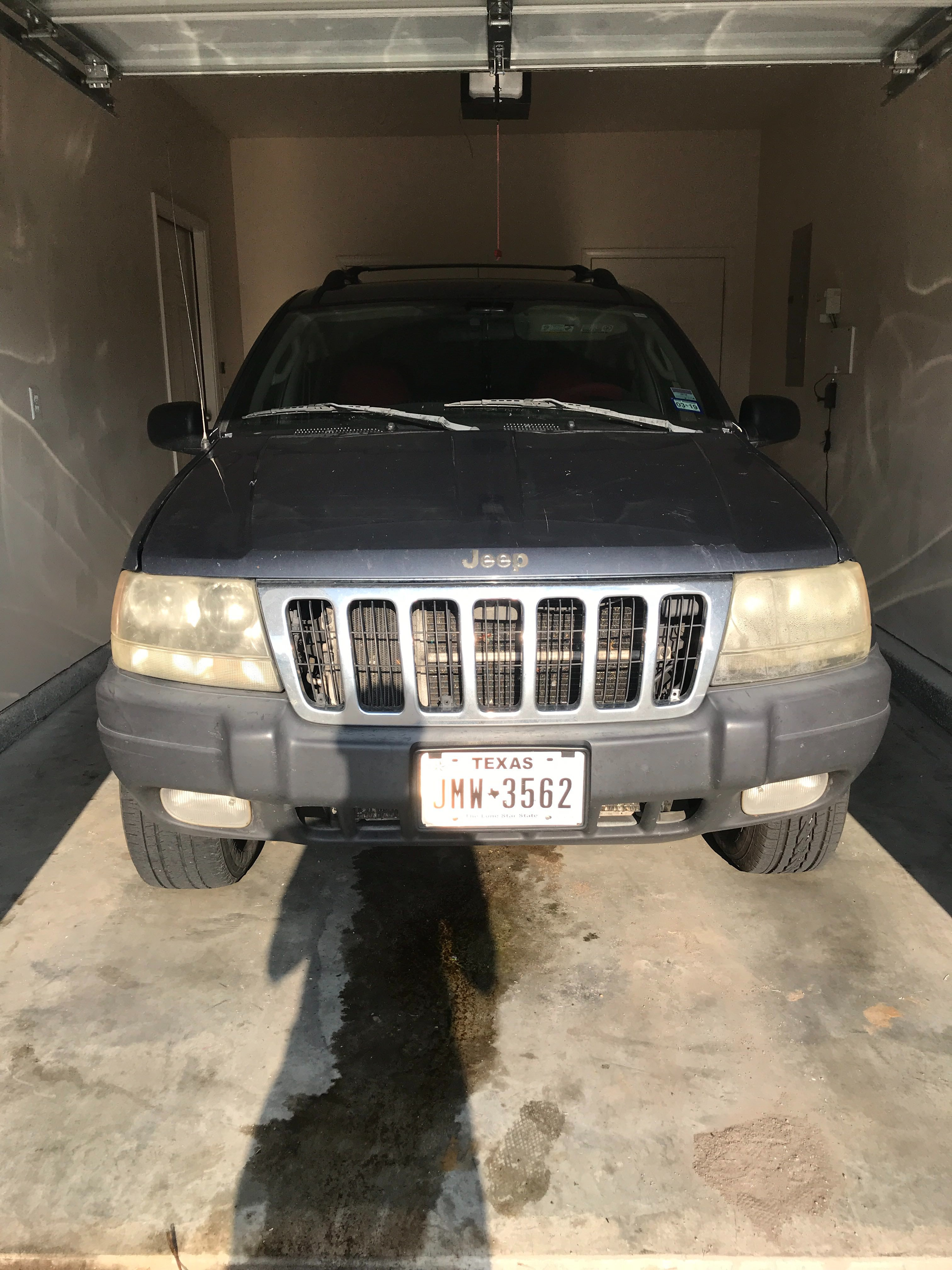 Junk 2003 Jeep Grand Cherokee in Fort Riley