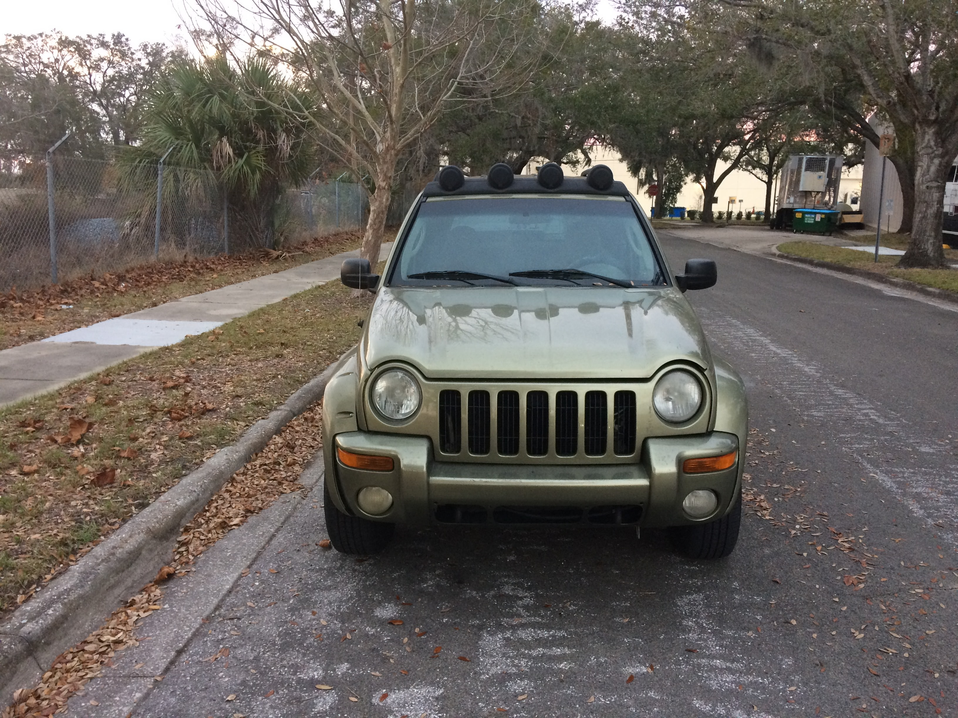 Junk 2003 Jeep Liberty in Orlando