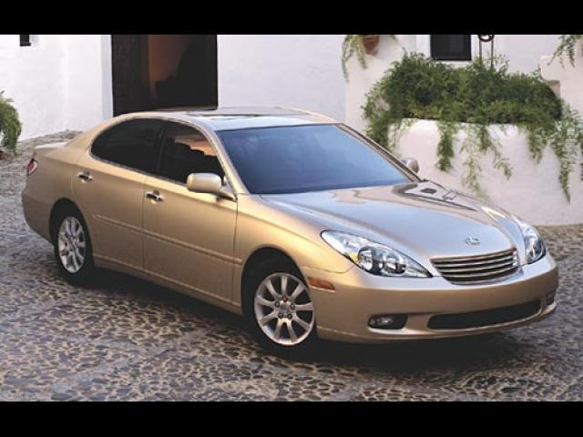 Junk 2003 Lexus ES in Orange