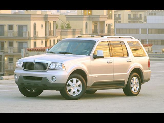 Junk 2003 Lincoln Aviator in Hollis