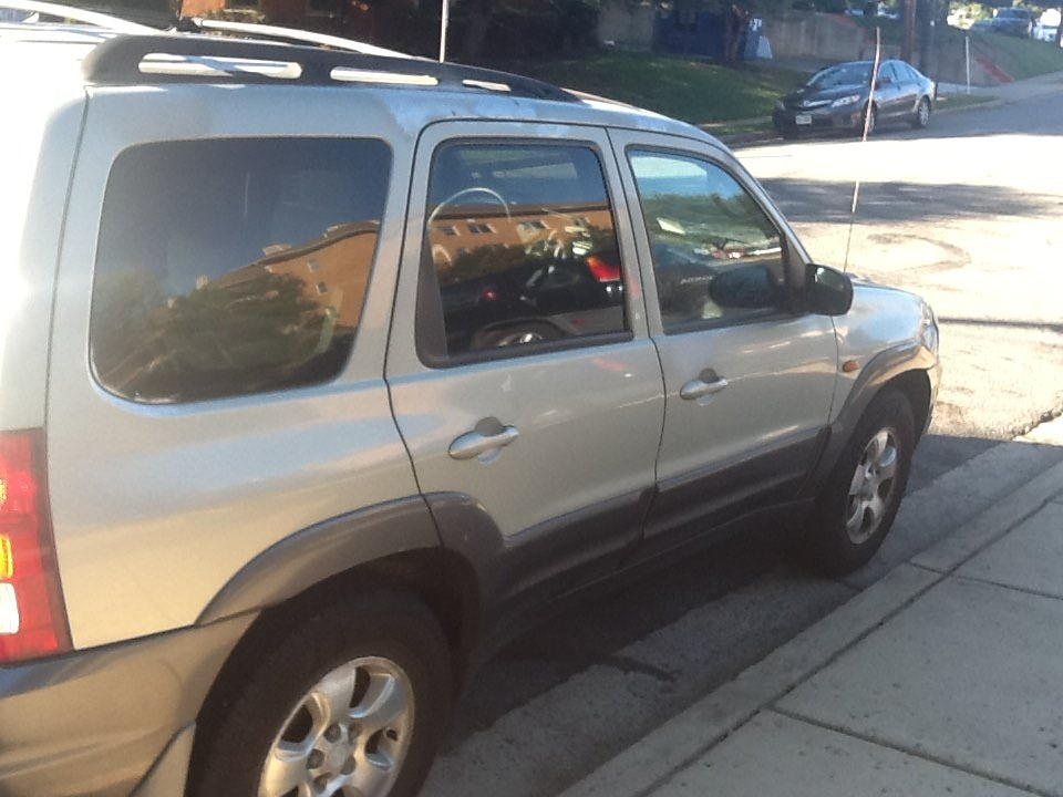 Junk 2003 Mazda Tribute in Arlington