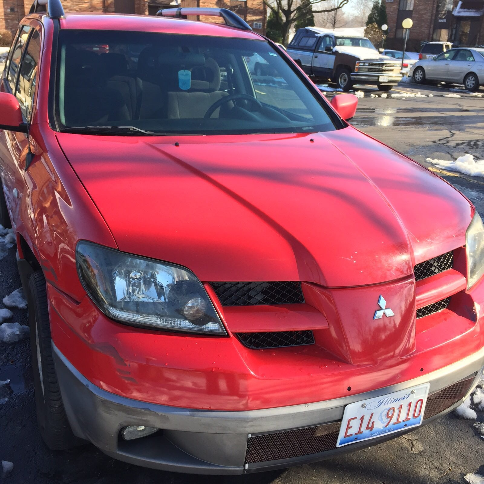Junk 2003 Mitsubishi Outlander in Woodridge