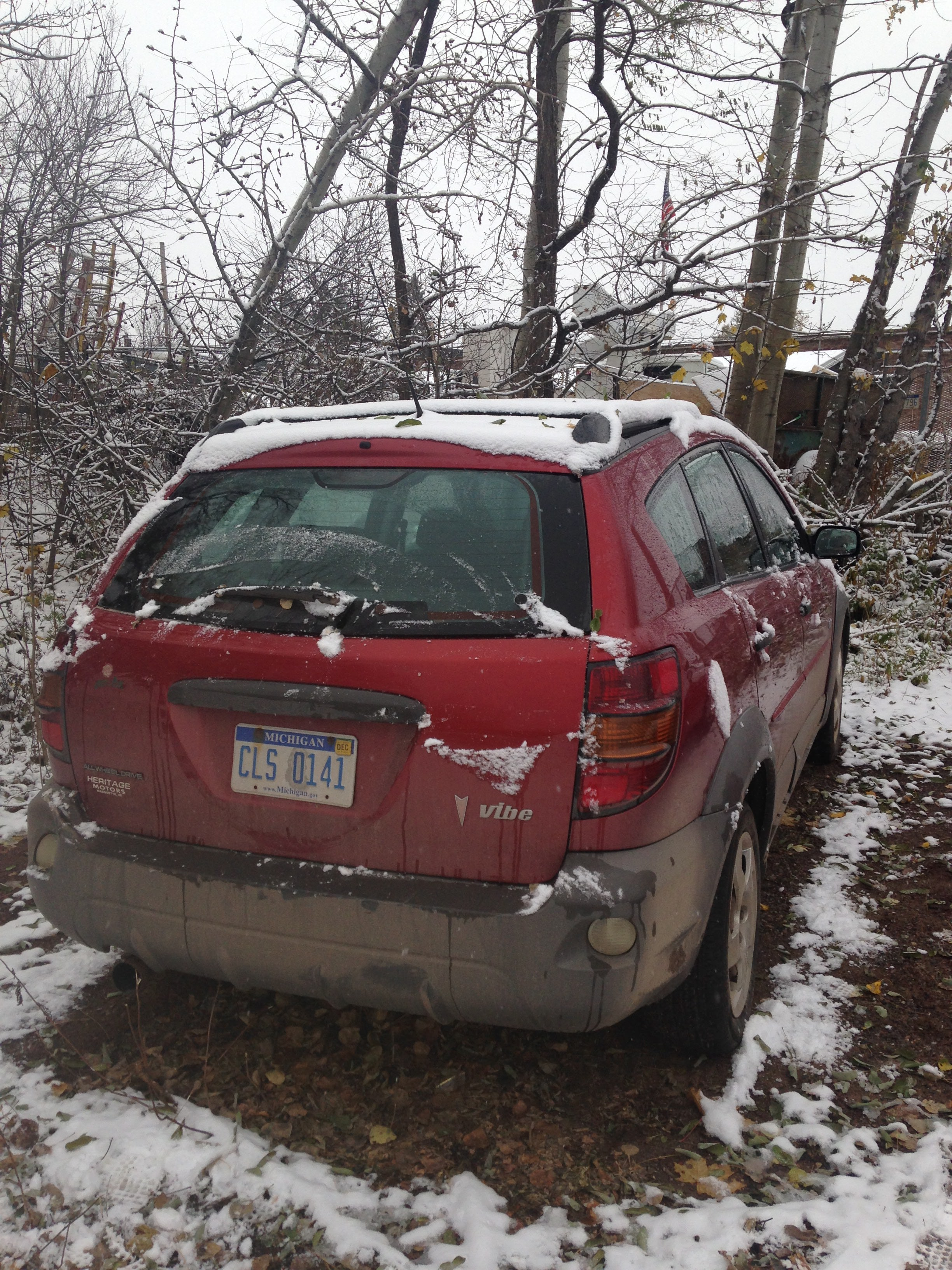 Junk 2003 Pontiac Vibe in Marquette