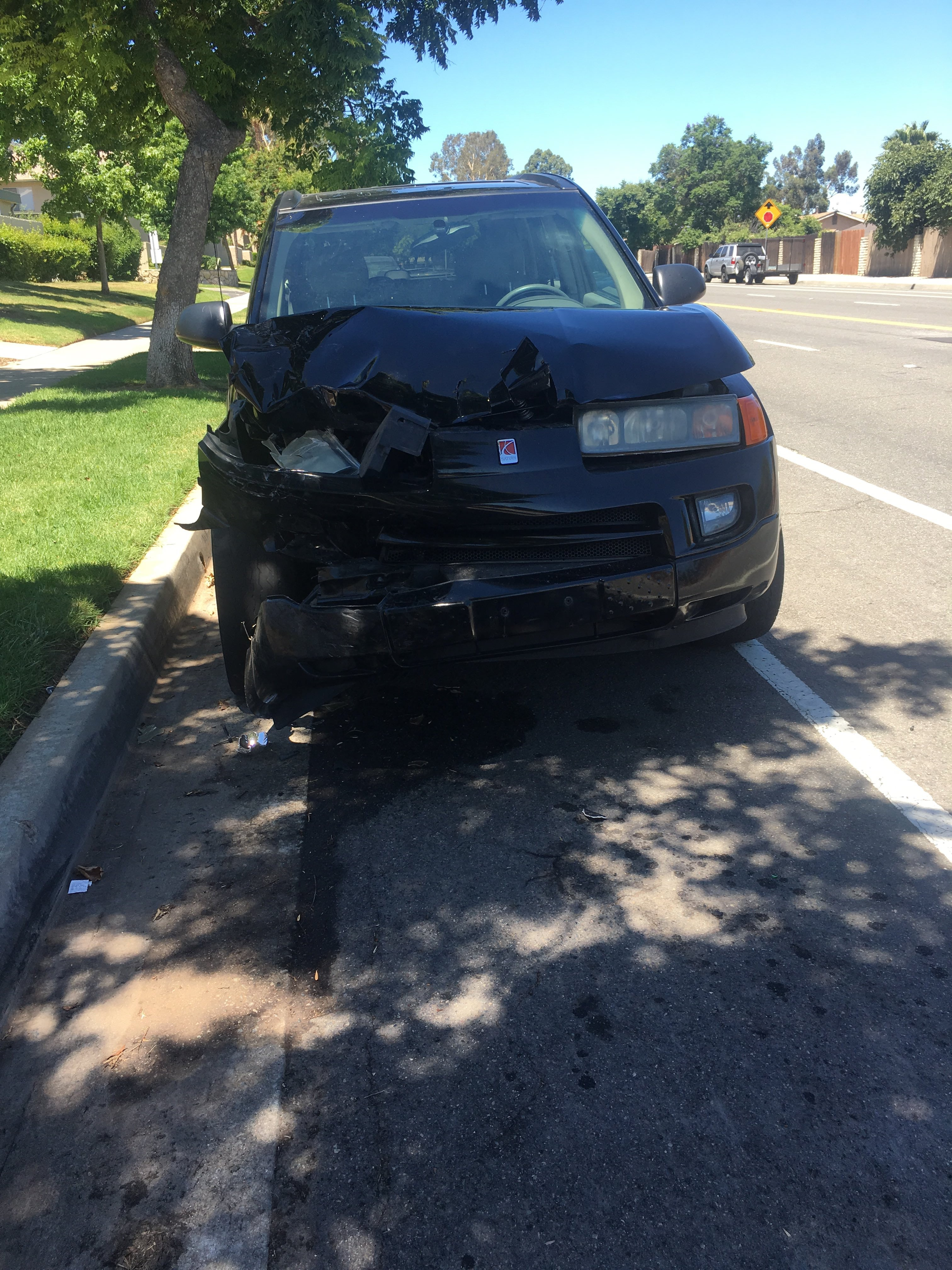Junk 2003 Saturn Vue in Corona