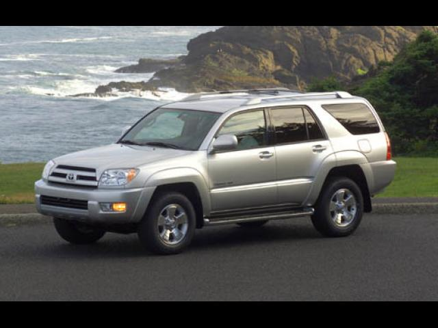 Junk 2003 Toyota 4Runner in Greentown