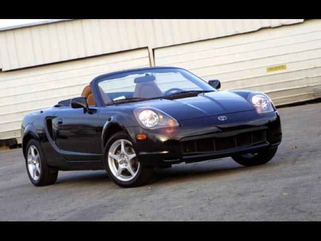 Junk 2003 Toyota MR2 in Lincoln