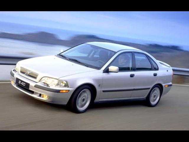 Junk 2003 Volvo S40 in Sewell