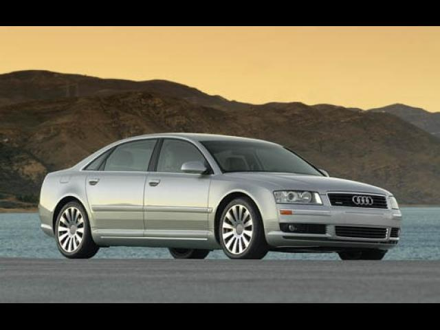 Junk 2004 Audi A8 in New Haven