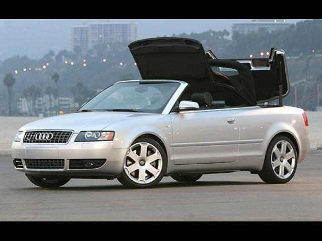 Junk 2004 Audi S4 in Cambridge
