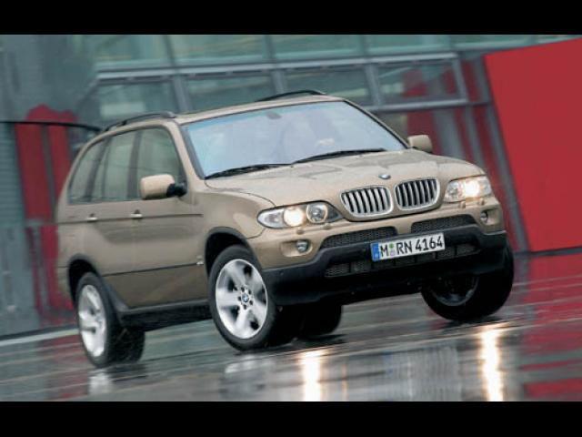 Junk 2004 BMW X5 in The Colony