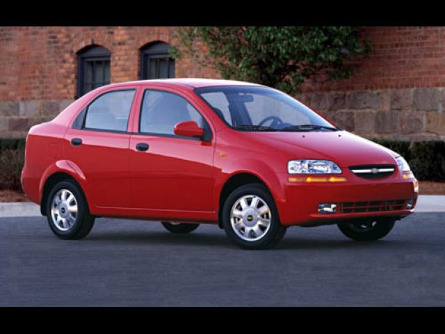Junk 2004 Chevrolet Aveo in Brick