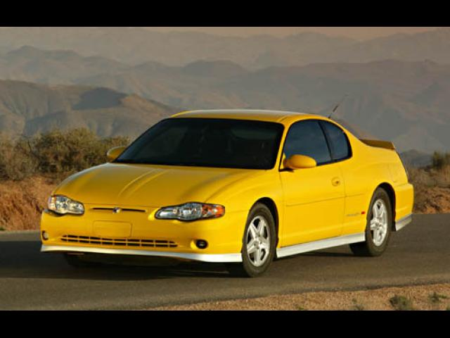 Junk 2004 Chevrolet Monte Carlo in Franklin