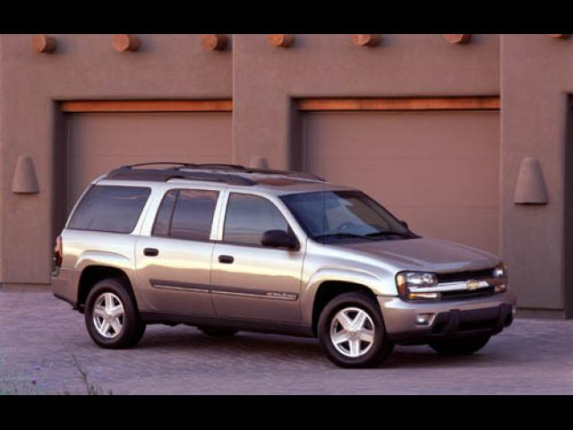 Junk 2004 Chevrolet TrailBlazer in King