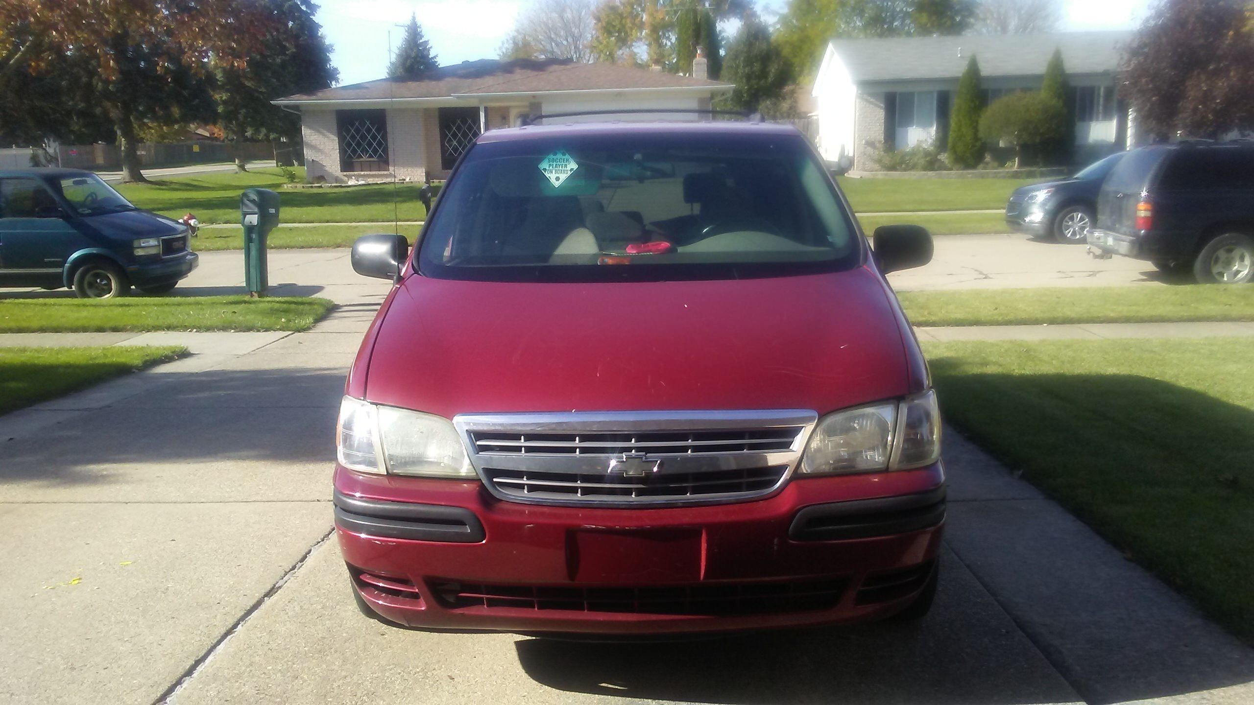 Junk 2004 Chevrolet Venture in Sterling Heights