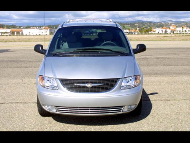 Junk 2004 Chrysler Town & Country in Livermore
