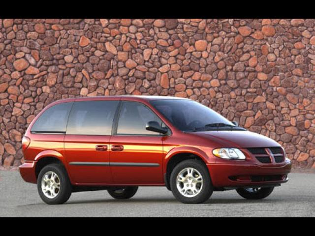 Junk 2004 Dodge Caravan in Flint