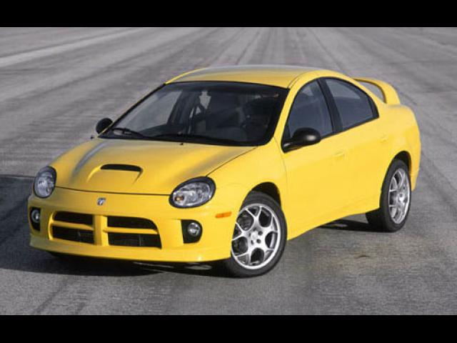 Junk 2004 Dodge Neon in Chicago