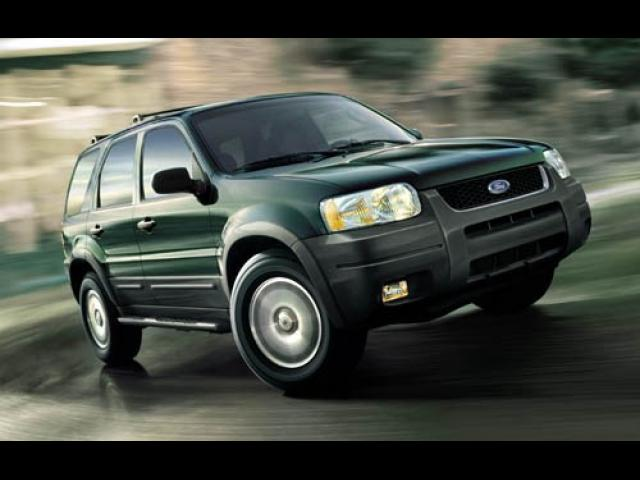 Junk 2004 Ford Escape in Van Nuys